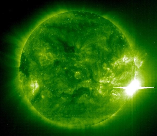 NASA mới phát hiện bí ẩn tại cực nam Mặt Trời - ảnh 2