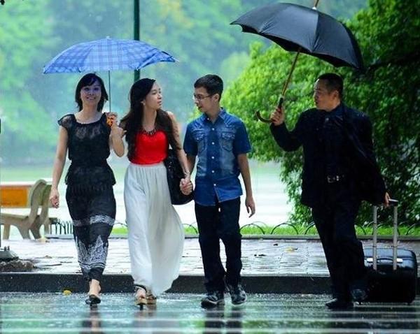 Danh hài Xuân Hinh: 'Lơ mơ là vợ đuổi ra khỏi nhà' - ảnh 1