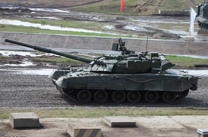 Tận thấy những màn trình diễn ngoạn mục của xe tăng Nga - ảnh 1