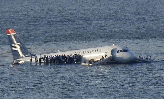 Những tai nạn máy bay do chim va vào - ảnh 6