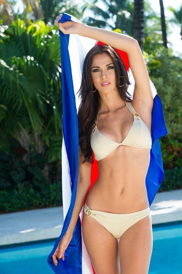 Người đẹp Hoàn vũ khoe đường cong 'gây mê' với bikini - ảnh 24