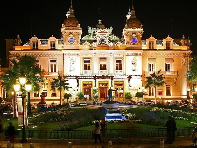 Cuộc sống giàu sang ở đất nước Monaco - ảnh 5