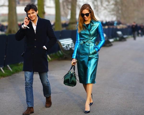 Mặc áo măng tô đơn giản mà đẹp như fashionista - ảnh 11