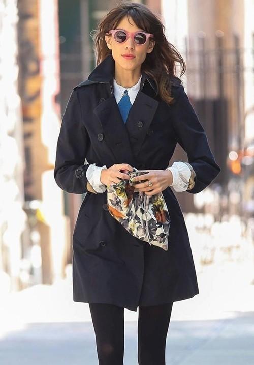 Mặc áo măng tô đơn giản mà đẹp như fashionista - ảnh 3