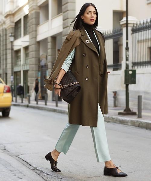 Mặc áo măng tô đơn giản mà đẹp như fashionista - ảnh 5