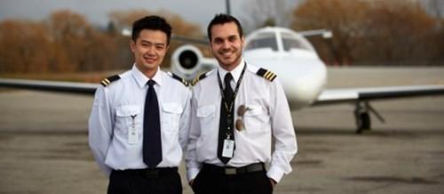 Đào tạo một phi công ngốn bao nhiêu tiền? - ảnh 1