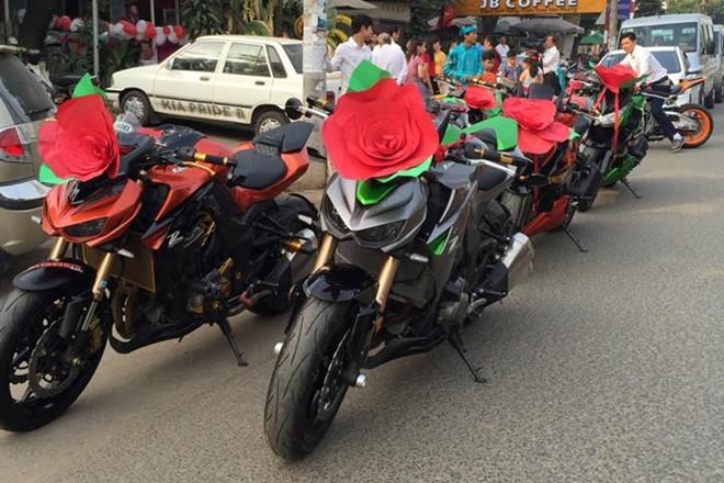 Kawasaki Z1000 trang trí lạ mắt đi rước dâu tại Biên Hòa - ảnh 1