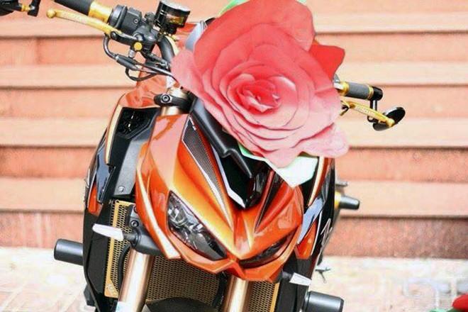 Kawasaki Z1000 trang trí lạ mắt đi rước dâu tại Biên Hòa - ảnh 5