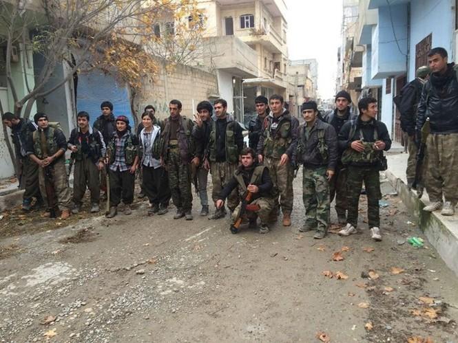 Thảm thương thị trấn Syria trong vòng vây phiến quân IS - ảnh 9