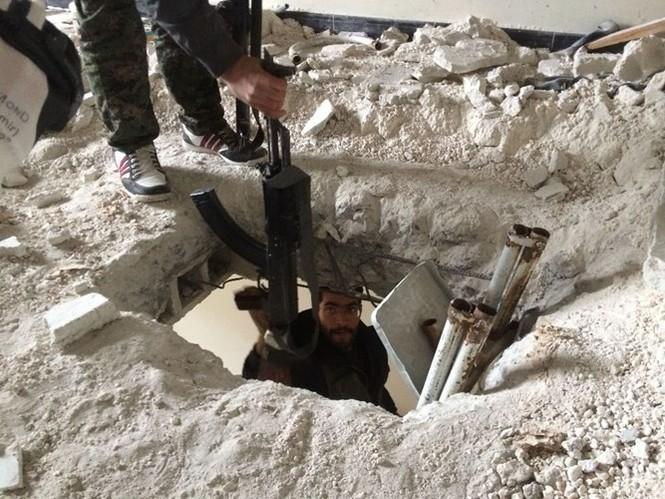 Thảm thương thị trấn Syria trong vòng vây phiến quân IS - ảnh 11