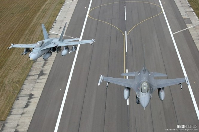 Nhìn gần máy bay chiến đấu NATO tuần tiễu khu vực Baltic - ảnh 6
