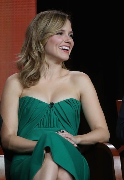 """""""Sao"""" Hollywood quyến rũ với váy hở vai - ảnh 9"""