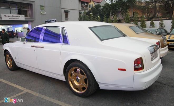 Bộ đôi Rolls-Royce Phantom mạ vàng của đại gia Thái Nguyên - ảnh 3