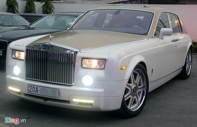 Bộ đôi Rolls-Royce Phantom mạ vàng của đại gia Thái Nguyên - ảnh 5
