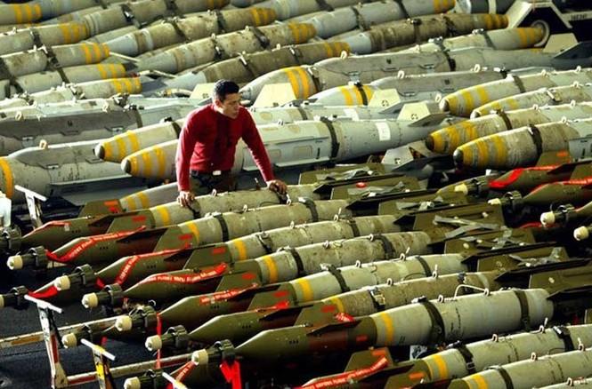 Tận mục qui trình lắp ráp ổ ạt bom thông minh JDAM Mỹ - ảnh 10