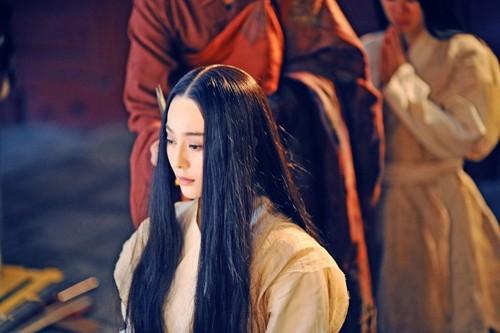 Phạm Băng Băng xuống tóc vẫn đẹp mê hồn - ảnh 1