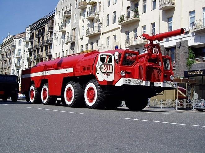 Những mẫu xe cứu hỏa kỳ dị nhất hành tinh - ảnh 3