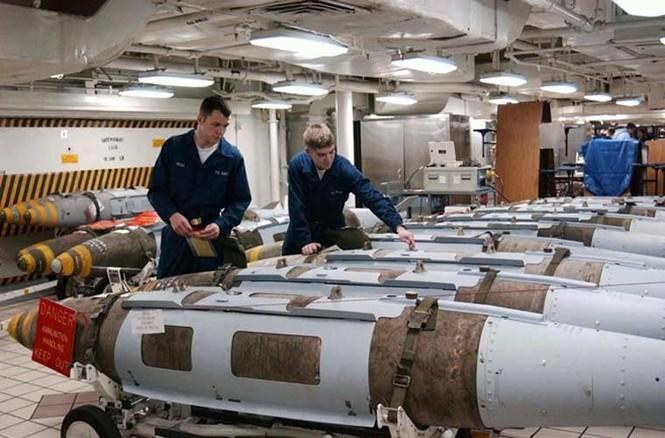 Tận mục qui trình lắp ráp ổ ạt bom thông minh JDAM Mỹ - ảnh 7