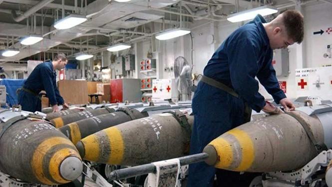 Tận mục qui trình lắp ráp ổ ạt bom thông minh JDAM Mỹ - ảnh 8