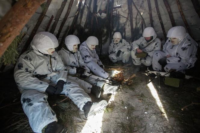 Xem Lữ đoàn Bắc Cực Nga khổ luyện trong tuyết lạnh - ảnh 5