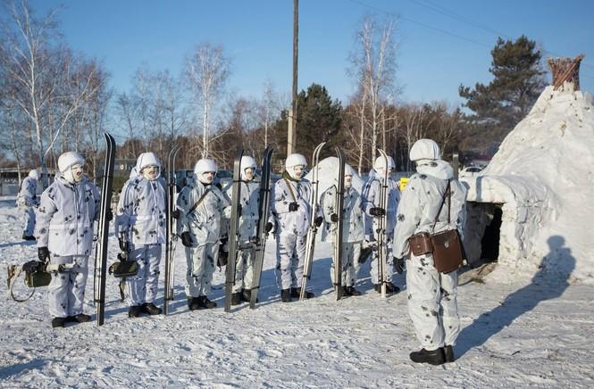 Xem Lữ đoàn Bắc Cực Nga khổ luyện trong tuyết lạnh - ảnh 6