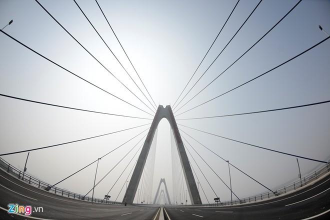 Cầu dây văng dài nhất Việt Nam mù sương giữa trưa - ảnh 10