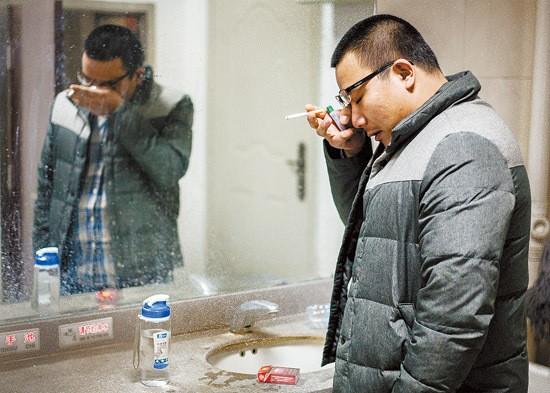 Sinh viên Trung Quốc ôn thi trắng đêm trong phòng tự học - ảnh 2