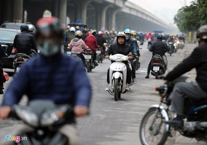 Cảnh tắc đường ở ngã tư 'khốn khổ' nhất Hà Nội - ảnh 5