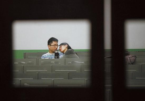 Sinh viên Trung Quốc ôn thi trắng đêm trong phòng tự học - ảnh 6