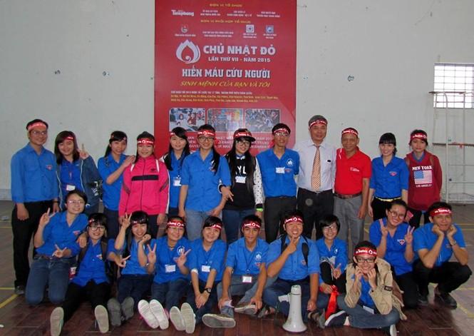 Chủ nhật Đỏ Khánh Hòa tiếp nhận 364 đơn vị máu - ảnh 13
