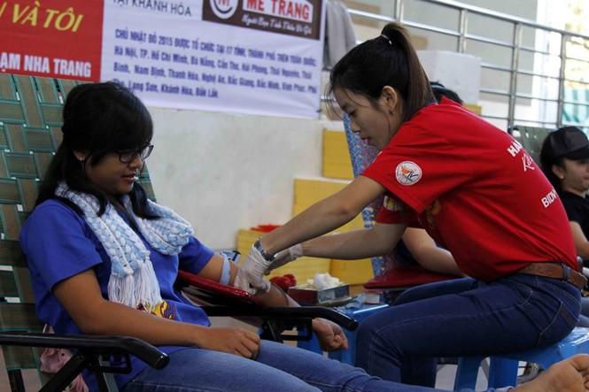 Chủ nhật Đỏ Khánh Hòa tiếp nhận 364 đơn vị máu - ảnh 6