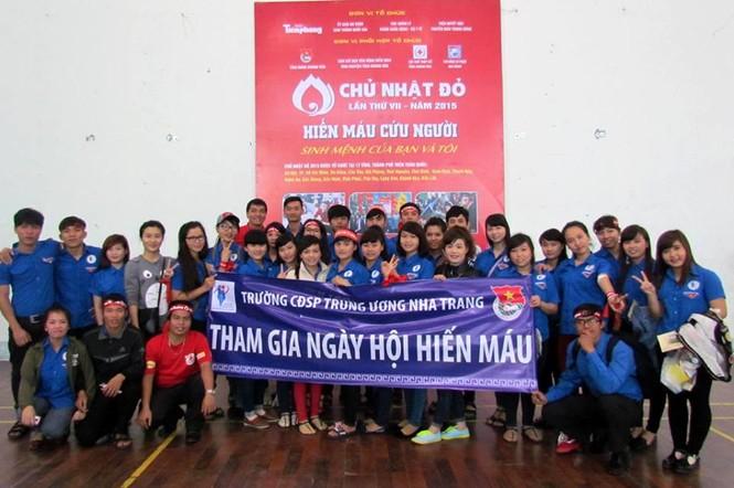 Chủ nhật Đỏ Khánh Hòa tiếp nhận 364 đơn vị máu - ảnh 9