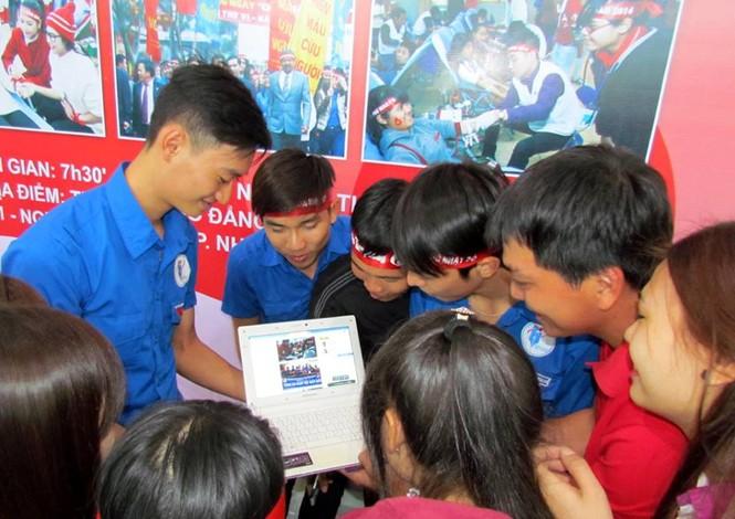 Chủ nhật Đỏ Khánh Hòa tiếp nhận 364 đơn vị máu - ảnh 10