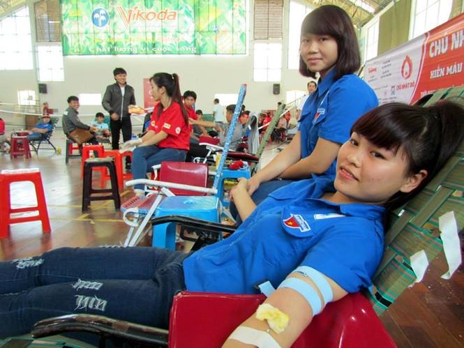 Chủ nhật Đỏ Khánh Hòa tiếp nhận 364 đơn vị máu - ảnh 12