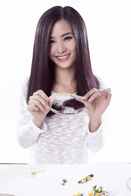 Đông Nhi hướng dẫn làm phụ kiện tóc theo xu hướng hot - ảnh 5