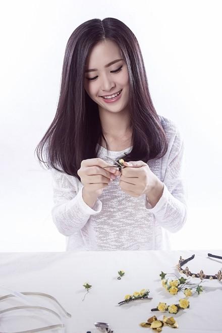 Đông Nhi hướng dẫn làm phụ kiện tóc theo xu hướng hot - ảnh 6