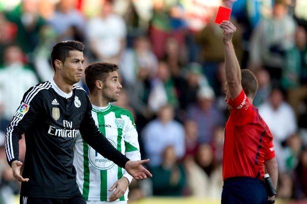 Ronaldo đối diện với án treo giò khủng khiếp - ảnh 1