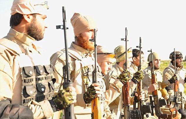 Vén màn bí ẩn về biệt đội bắn tỉa của phiến quân IS - ảnh 1