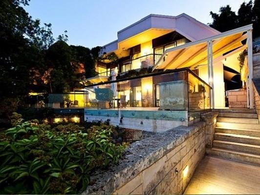 Chiêm ngưỡng những ngôi nhà phải mua bằng 'tiền tấn' - ảnh 2