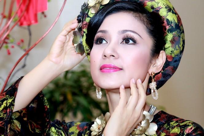 """Cận cảnh nhan sắc """"vượt thời gian"""" của diễn viên Việt Trinh - ảnh 2"""