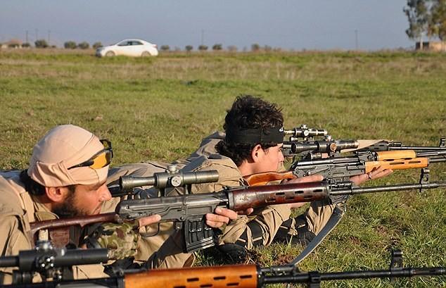 Vén màn bí ẩn về biệt đội bắn tỉa của phiến quân IS - ảnh 4