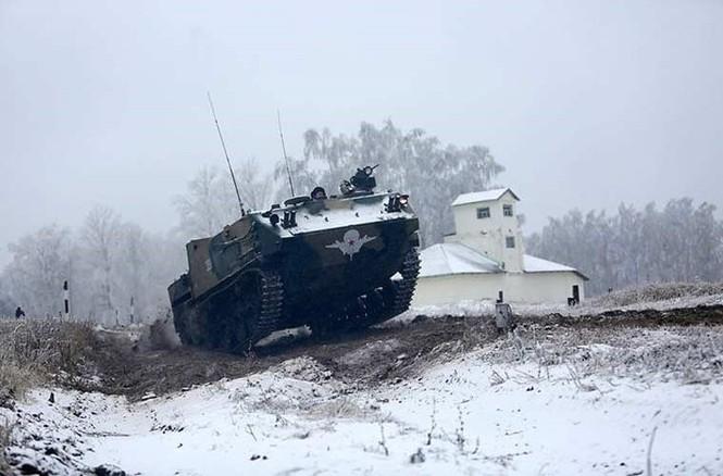 'Đột nhập' bên trong thiết giáp BTR-MD của lính dù Nga - ảnh 9