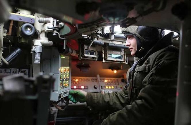 'Đột nhập' bên trong thiết giáp BTR-MD của lính dù Nga - ảnh 3