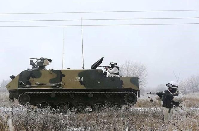 'Đột nhập' bên trong thiết giáp BTR-MD của lính dù Nga - ảnh 8
