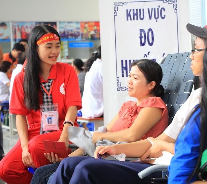 Hành trình Đỏ TPHCM 2016 góp hơn 700 đơn vị máu - ảnh 6