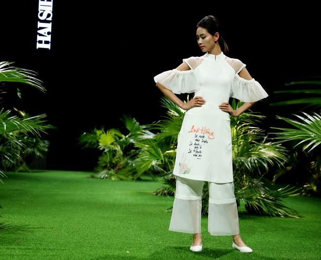 Vietnam Fashion Week: Xanh mướt xuân hè châu Á nhiệt đới mới - ảnh 4
