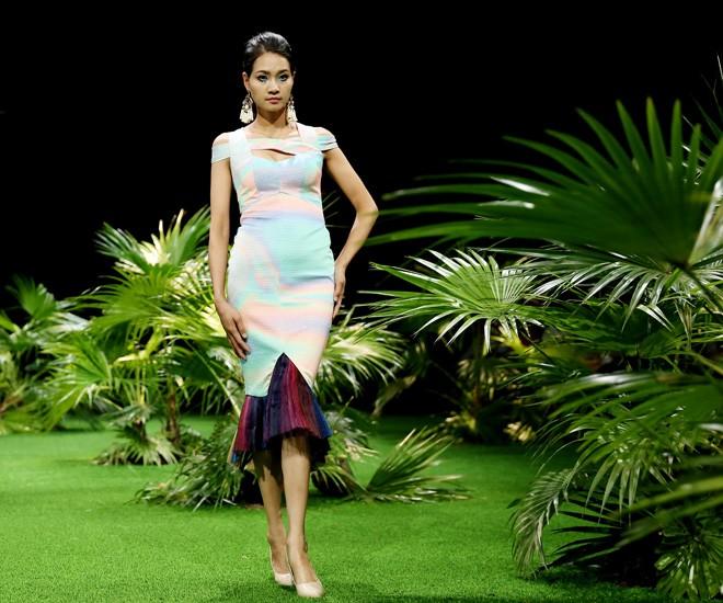 Vietnam Fashion Week: Xanh mướt xuân hè châu Á nhiệt đới mới - ảnh 7