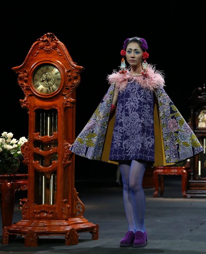 Vietnam Fashion Week Xuân Hè đêm cuối: Thời gian lắng đọng  - ảnh 3