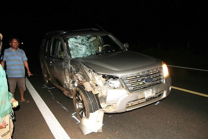 Hai người tử vong, xe máy bốc cháy do tai nạn giao thông - ảnh 1