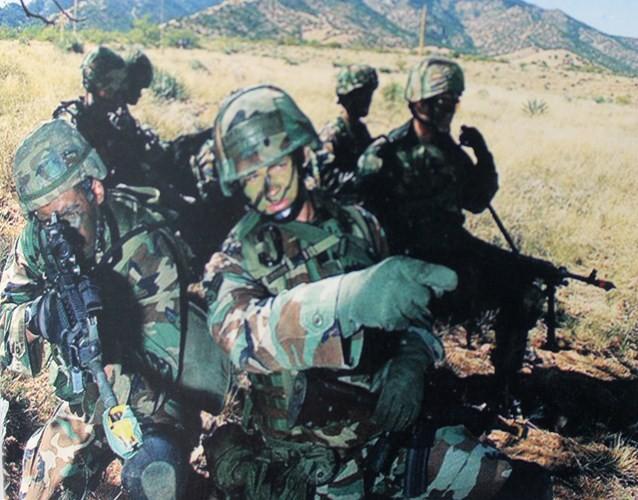 Muôn màu quân phục ngụy trang của quân đội thế giới - ảnh 4